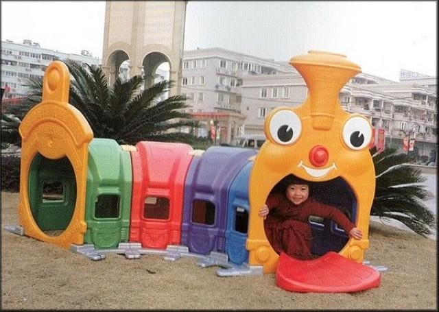 Игрушки на детскую площадку